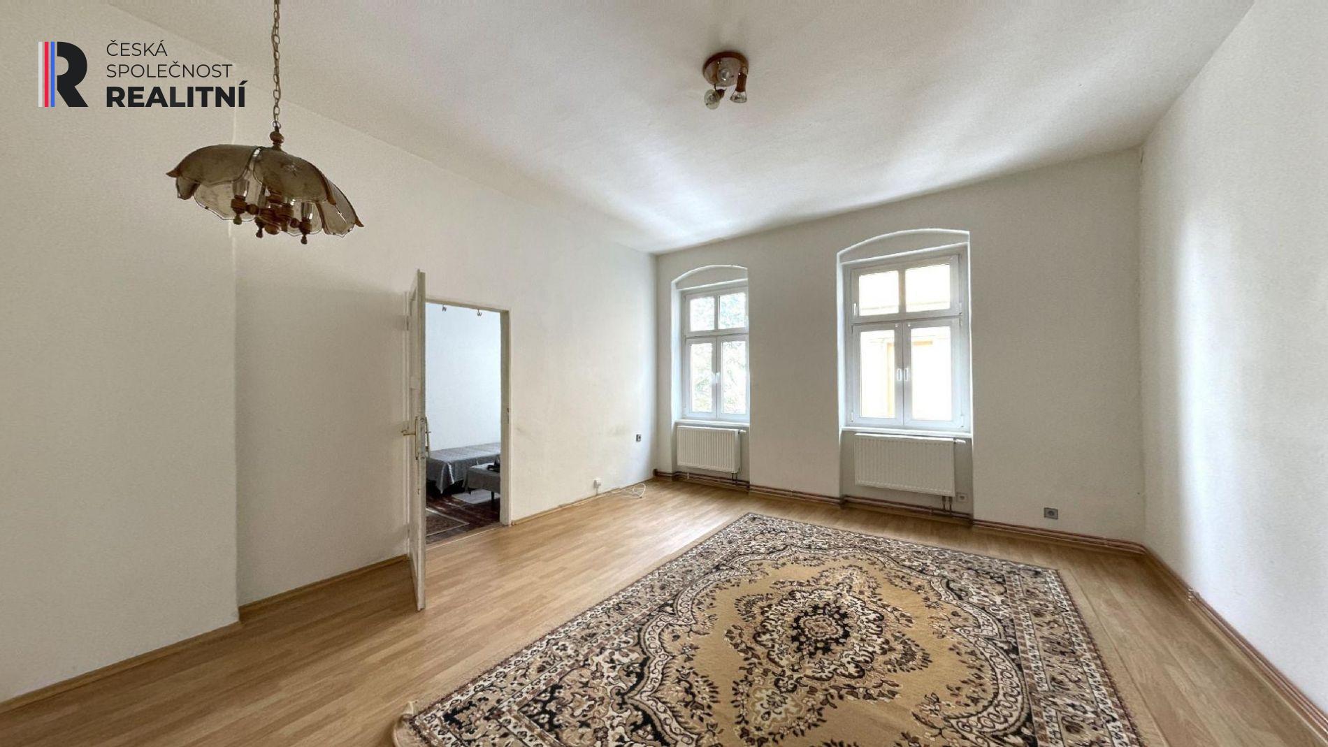 Velkometrážní byt 4+1+5mansard, Kolmá, Karlovy